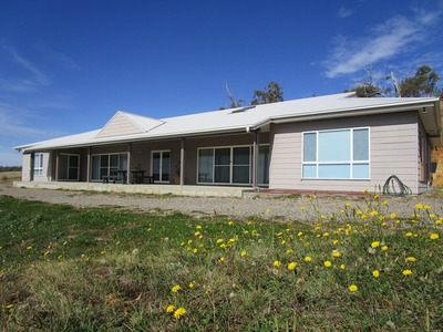2271  Dry Plains Road, Cooma