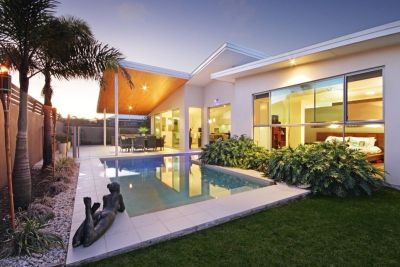 Elegance and Style in Pelican Waters - SORRY I'M RENTED!