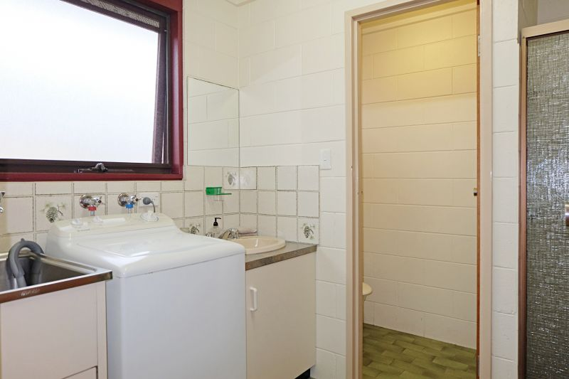 FULLY FURNISHED UNIT IN TOWN