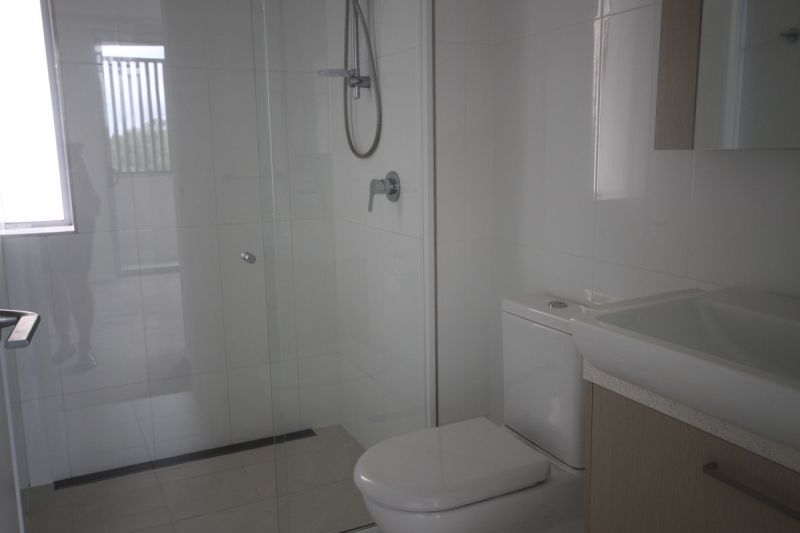AS NEW 2 BEDROOM WITH AIR CONDITIONING IN BOTH AND LIFT IN COMPLEX