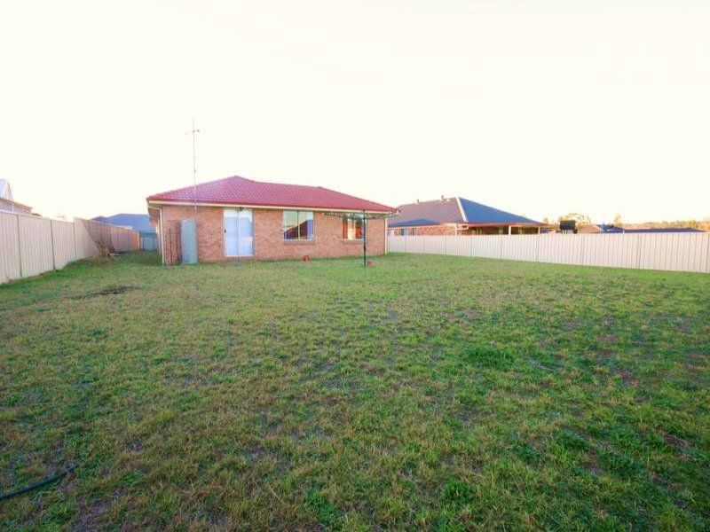 12 The Grove, Singleton