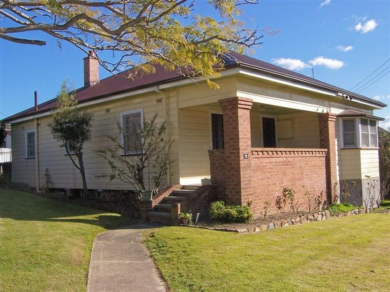 29 Lockyer Street, ADAMSTOWN