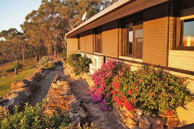 excellent value. stunning hawkesbury river views. main home plus independent in-law accommodation. large shed, 25 acres, tranquil location.