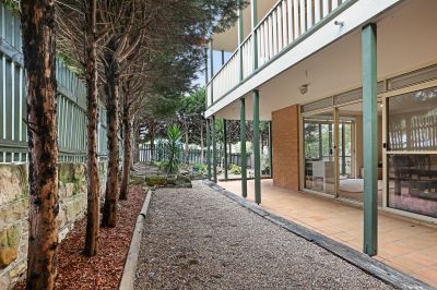 North Facing Boutique Apartment with Wraparound Gardens on 195sqm