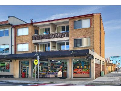 RENOVATED 2 BEDROOM - BONDI BEACH LIVING AT ITS BEST !!