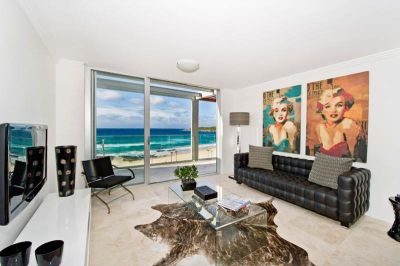 ULTRA CONTEMPORARY STYLE BEACH SIDE APARTMENT WITH PANORAMIC OCEAN VIEWS