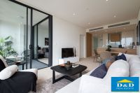 Luxury Apartment in Parramatta City Center. 1 Bedroom and Study. Vast Panoramic Views over City Skyline. Pool and Gym Facilities.