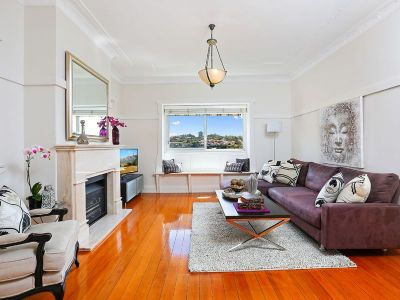 The Perfect Alternative to a Semi - 210sqm on title (Enter via 1c Badham Avenue)