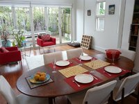 BONDI/WAVERLEY. LIGHT & BRIGHT 4 BED 2 BATH F/FURN FAMILY HOME NEAR BEACHES