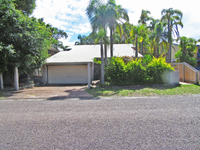 2/6 Kurrawa Close Nelson Bay, Nsw