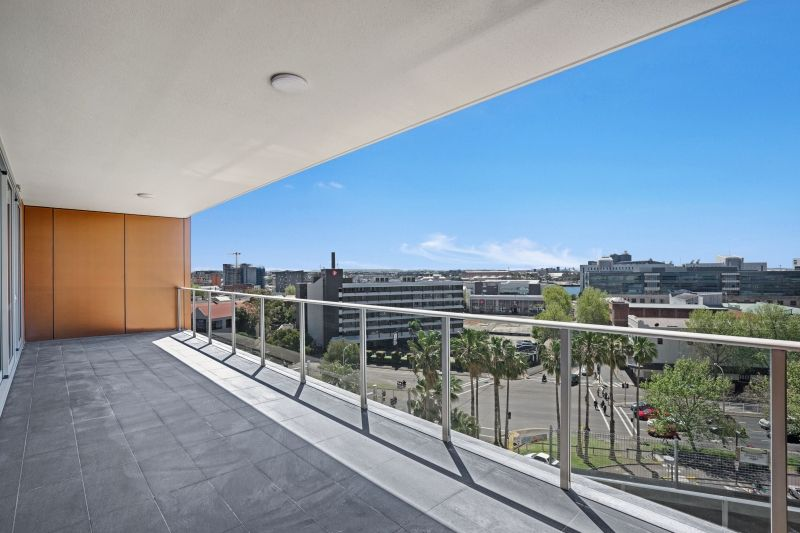801/21 Steel Street, Newcastle West