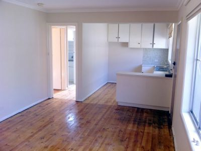 PETS WELCOME - Walking distance to everything - FURNISHED or UN FURNISHED