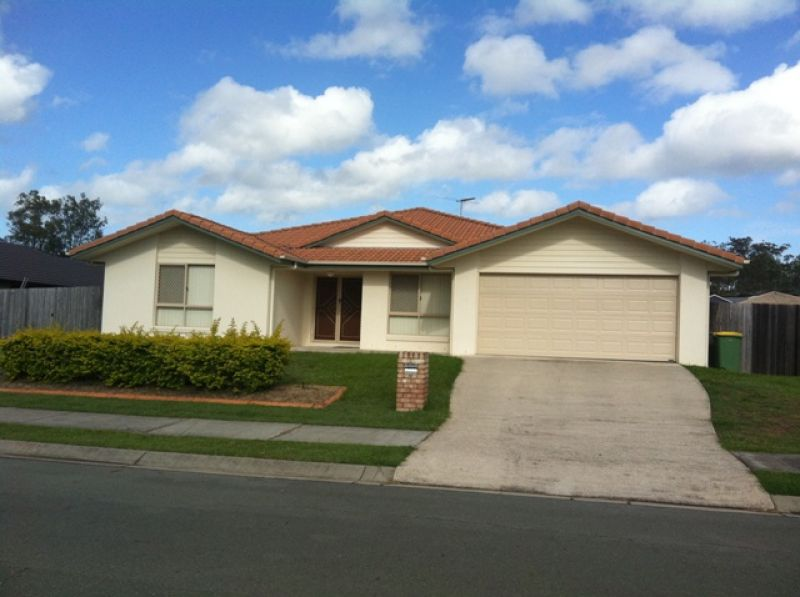 MASSIVE 4 BEDROOM HOME WITH OFFICE AVAILABLE IN DEEBING HEIGHTS
