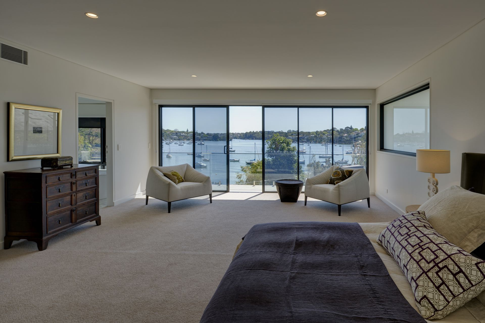 Additional photo for property listing at Secluded waterfront reserve luxury 6 Collingwood Street  New South Wales,2110 Australien