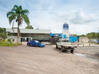 Large Warehouse / Workshop for Lease With Great Exposure