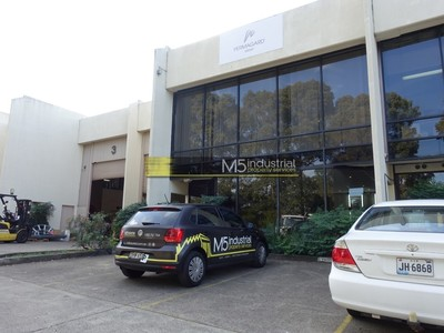 312sqm- Warehouse & Office ... Seconds to the M5 Motorway