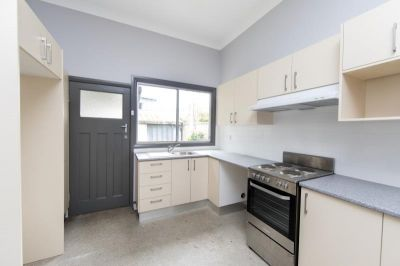 Immaculate Home in Trendy Location - First Week's Rent Free!