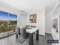 Reward Yourself with the Bulimba Lifestyle in this Spectacular Renovated Unit!