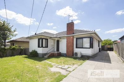Conveniently located 4 bedroom home in Springvale