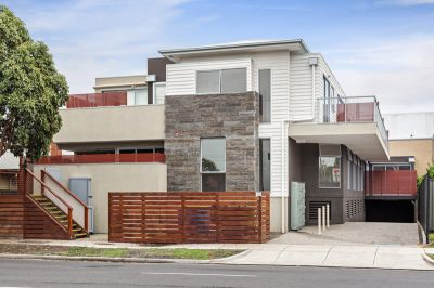 2/230 Williamstown Road, Yarraville