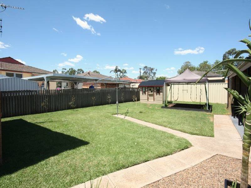 4 Tulloch Close, Singleton