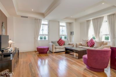 Luxurious Heritage Apartment