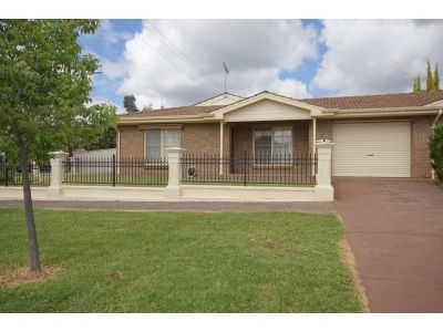 Priced To Sell - Spacious Courtyard Living