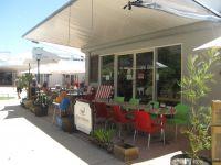 CAFE/DELI -Courtyard Setting
