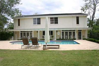 contemporary home, stylishly renovated, beautiful outdoor entertaining, fantastic horse facilities.