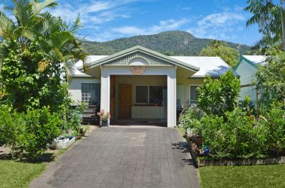 Villa for sale in Cairns & District Caravonica