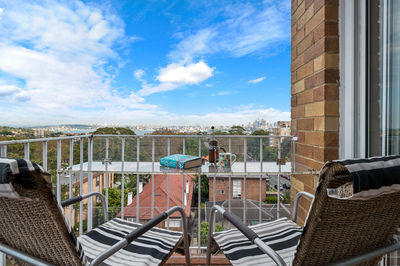 MOSMAN 2 BED VIEWS OF HARBOUR & CITY