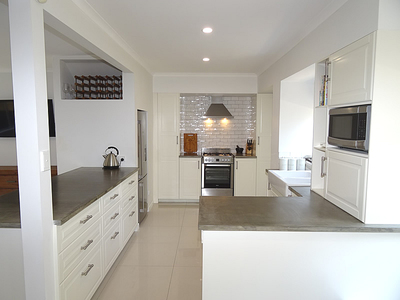 RENOVATED DUPLEX - WALK TO THE BROADWATER