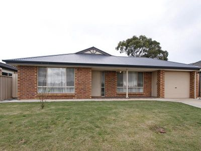 Modern 3 bedroom home in convenient location...