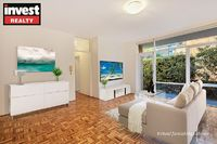 SPACIOUS TWO BEDROOM APARTMENT IN PREMIUM BEACHSIDE LOCATION!
