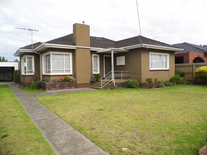 IN THE HEART OF ALTONA, 2 BEDROOM HOUSE