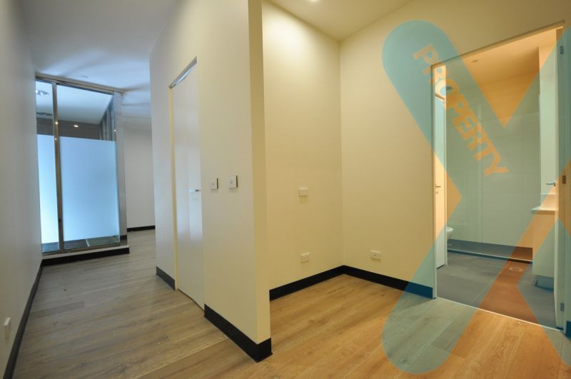 One Bedroom with Study on Flinders Lane!