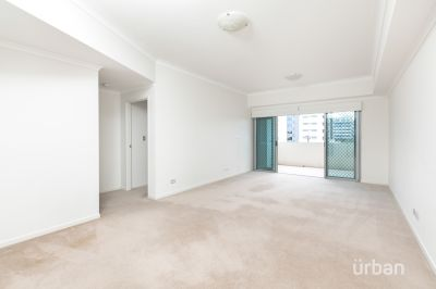 Immaculately Presented Spacious Apartment