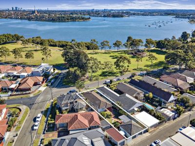 Prized waterside lifestyle with sparkling bay views