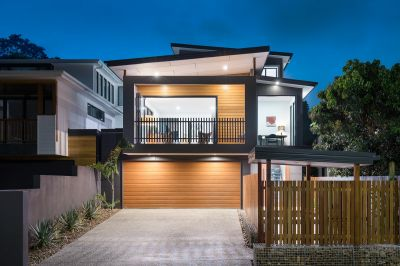Stunning New Family Home on Bowman Park
