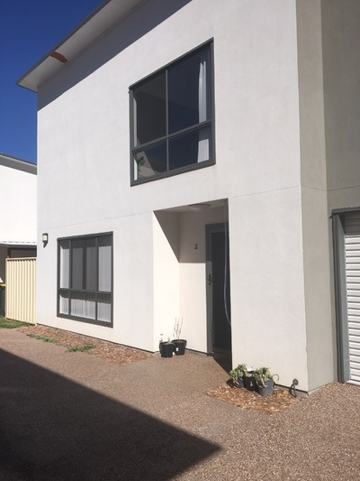 FURNISHED 3 BEDROOM TOWNHOUSE