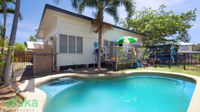 Renovator in Gulliver with Granny Flat and Pool!