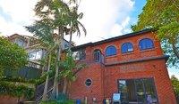 Huge 4 Bedroom House - Students Welcome - Ocean Views - 2 Kitchens, Spa, Sauna, Pool. Hurry Won't Last!
