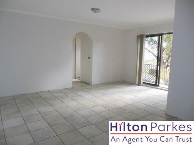 First Floor Apartment Close To Shops & Transport!
