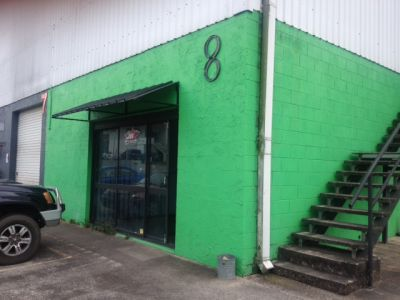 Workshop and Office in Handy Location