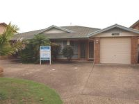 1/10 Farm Road Fingal Bay, Nsw