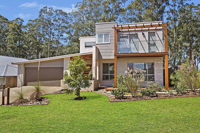 Thoroughly Modern Active Family Haven – The Ultimate in Contemporary Living and Design
