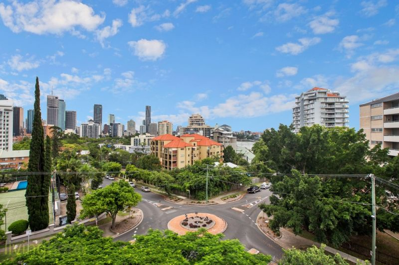 82 O'Connell St, Kangaroo Point, QLD