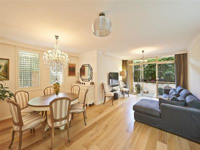 Fabulous Outdoor Entertainer - Renovated 3 Bedroom Garden Apartment
