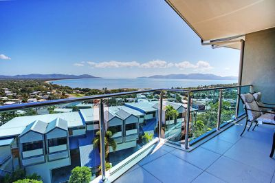 SPECTACULAR VIEWS - EXCEPTIONAL LIFESTYLE