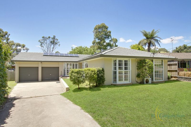 Very attractive single level home on a huge block of 1041sqm with spacious gardens front and rear and wide side access.